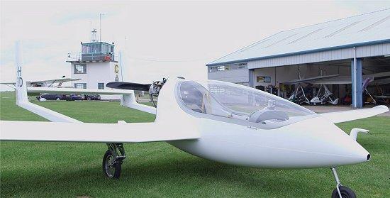 O avião híbrido-elétrico consome 30% menos combustível do que a versão normal a gasolina. [Imagem: Universidade de Cambridge]