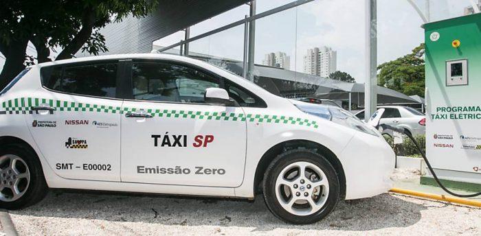 Carros elétricos começam a circular em Campinas (SP)