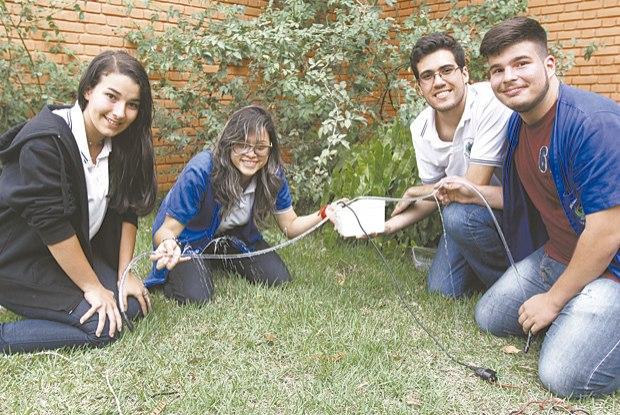 Protótipo feito por estudantes permite molhar plantações e evitar incêndios