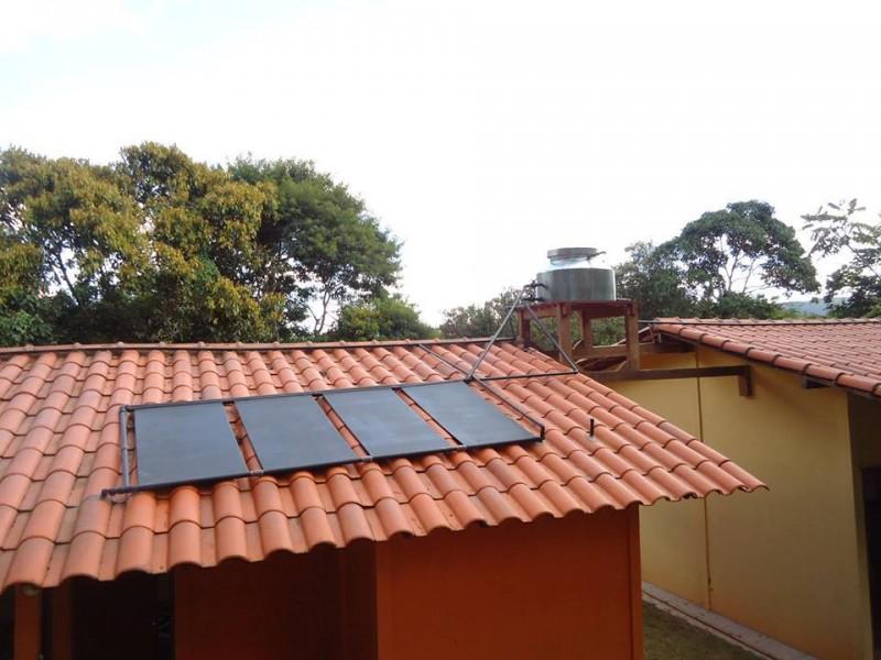 Empresa mineira cria kit para captar energia solar, para aquecedor, a R$500