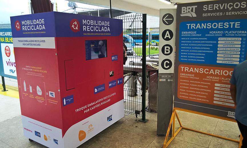 Lixo reciclado vira passagem no BRT