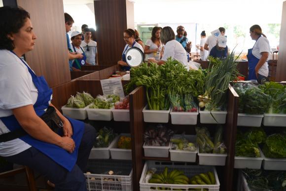 Produtos orgânicos ainda são ignorados pelo mercado, diz produtor