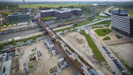 Ponte sobre trilhos na Holanda é capaz de produzir sua eletricidade