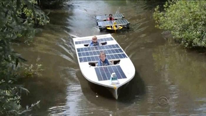 Estudantes de SC fazem barco a energia solar que atinge 30 Km/h