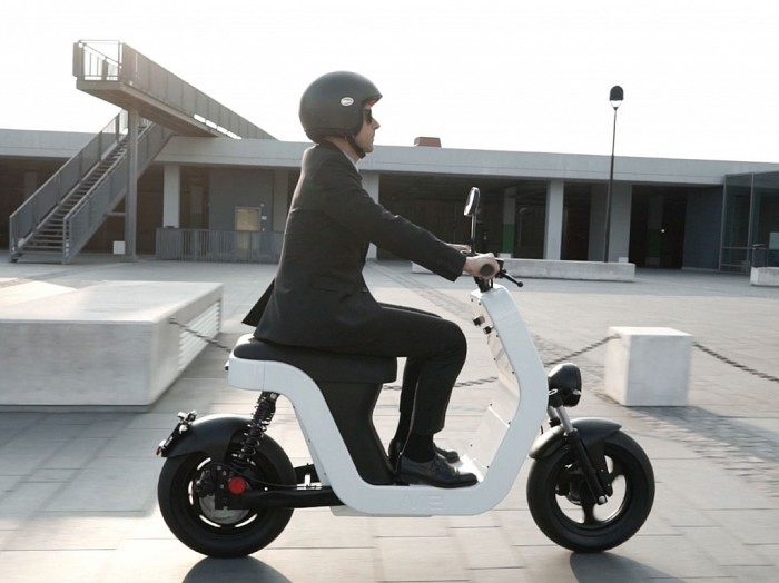 the-me-italian-electric-scooter-gessato-11-1024x766