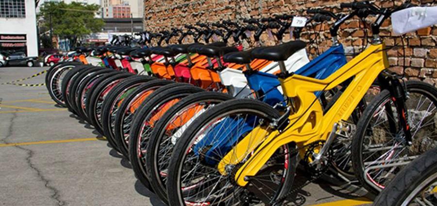 Empresa brasileira transforma seu lixo reciclável em bikes ecológicas sensacionais