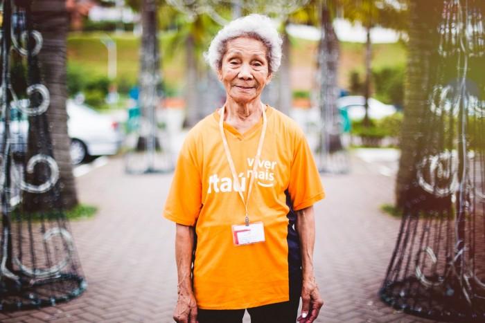 Aos 93 anos, dona Jovina é prova de que a bicicleta é o segredo para Viver Mais