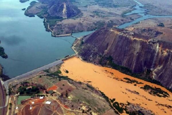Lama-barragem-Mariana-Samarco-Bento-Rodrigues-Espirito-Santo-Foto-SECOM-ES