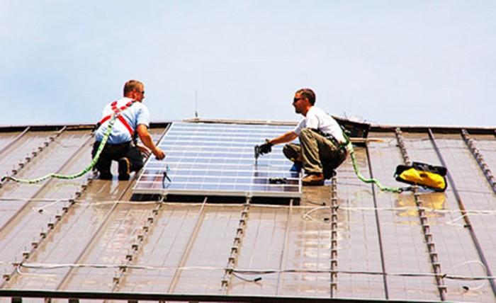 Projeto 50 Telhados registra a instalação de 369 sistemas fotovoltaicos em 22 cidades brasileiras