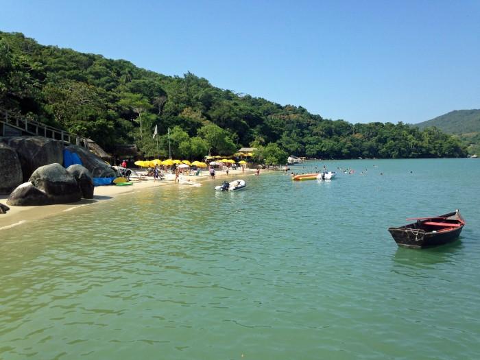 Justiça Federal determina livre acesso à Praia do Estaleiro, em Porto Belo (SC)