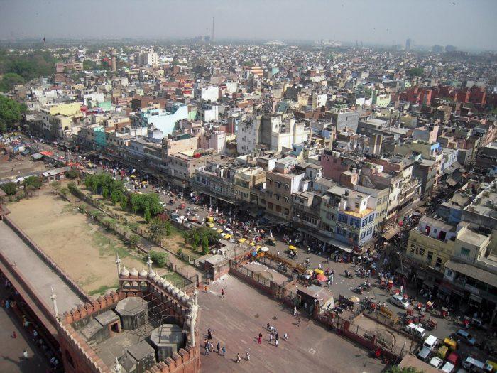 Nova Déli estuda a possibilidade de alugar coberturas para a instalação de painéis solares