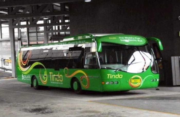 Na Austrália, população pega ônibus DE GRAÇA graças à energia solar