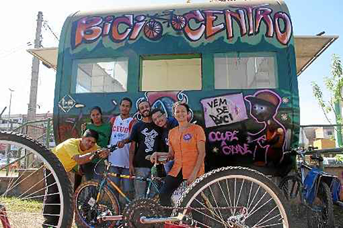 Em Brasília, voluntários criam bicicletário comunitário em posto policial desativado