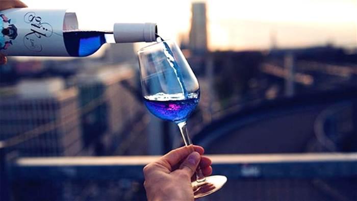 Este vinho azul é a sensação do verão europeu
