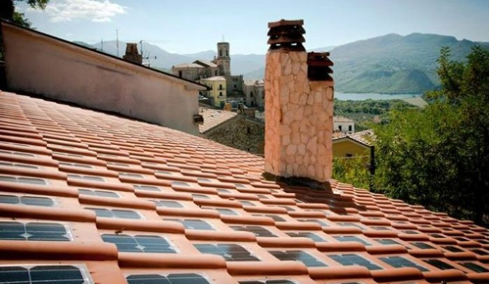 Italianos criam telhas com placas solares integradas