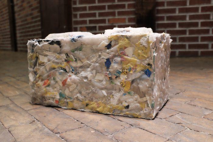 ByFusion transforma os resíduos de plástico retirados do oceano em tijolos ecológicos