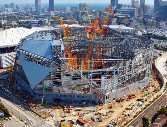 Construção do ultra-sustentável Estádio Mercedes Benz em Atlanta