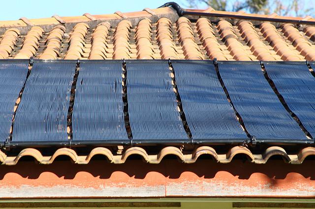 Projeto Própolis quer transformar lixo eletrônico em painéis solares