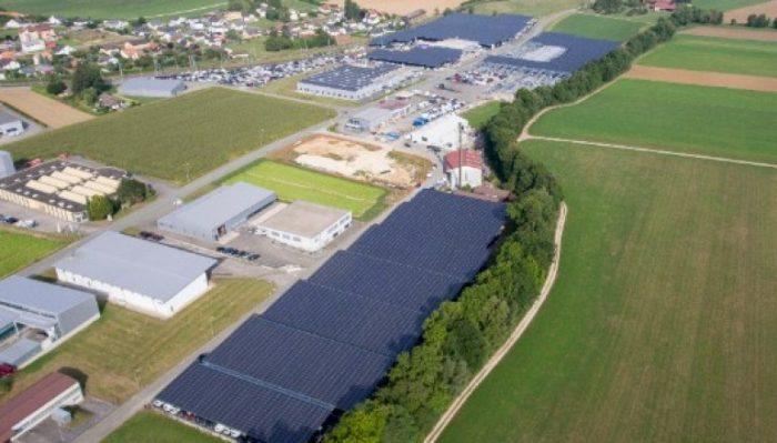 Suíça inaugura a maior central de energia solar sobre coberturas