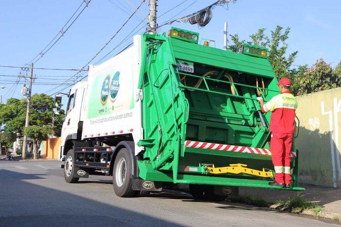Começa rodar em São Paulo o primeiro caminhão elétrico de coleta de lixo do mundo