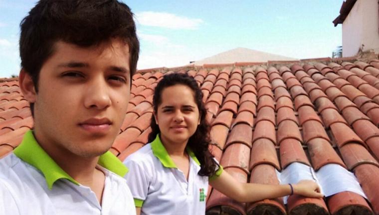 Jovens do Ceará usam caixas de leites para reduzir temperaturas nas casas e economizar energia