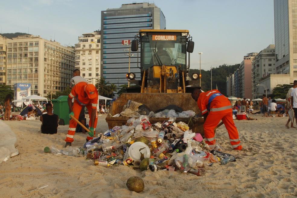 Comlurb recolheu 558 toneladas de lixo após festas de réveillon