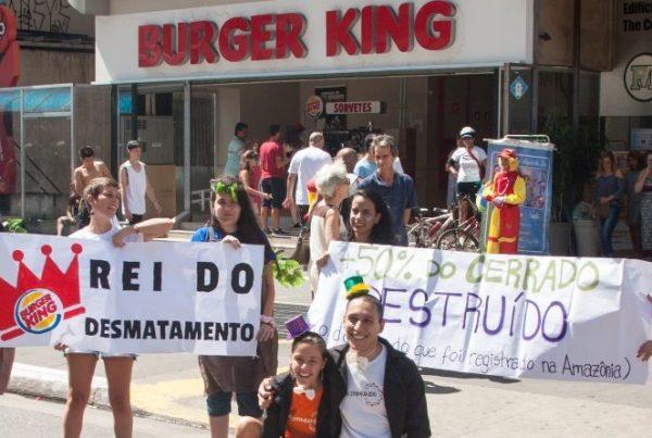 protesto-burgerking-engajamundo-800x445
