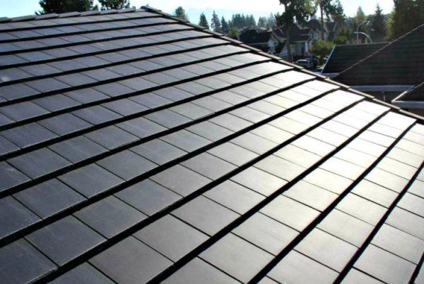 tesla-comeca-producao-em-larga-escala-de-telhas-solares-que-geram-energia-solar-foto