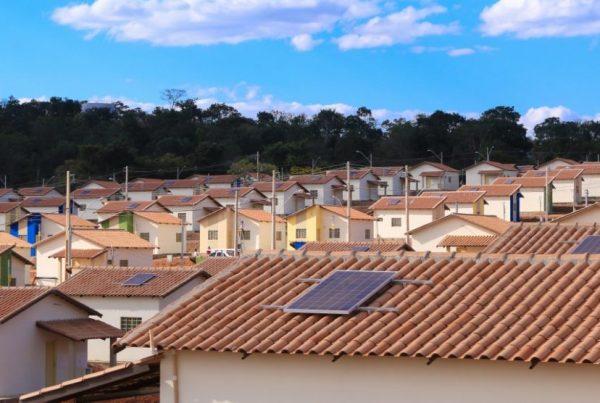 casa-solar-Foto-SC3A9rgio-Willian-01-1024x682-990x556